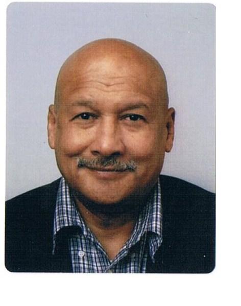 ron pasfoto 3.jpg